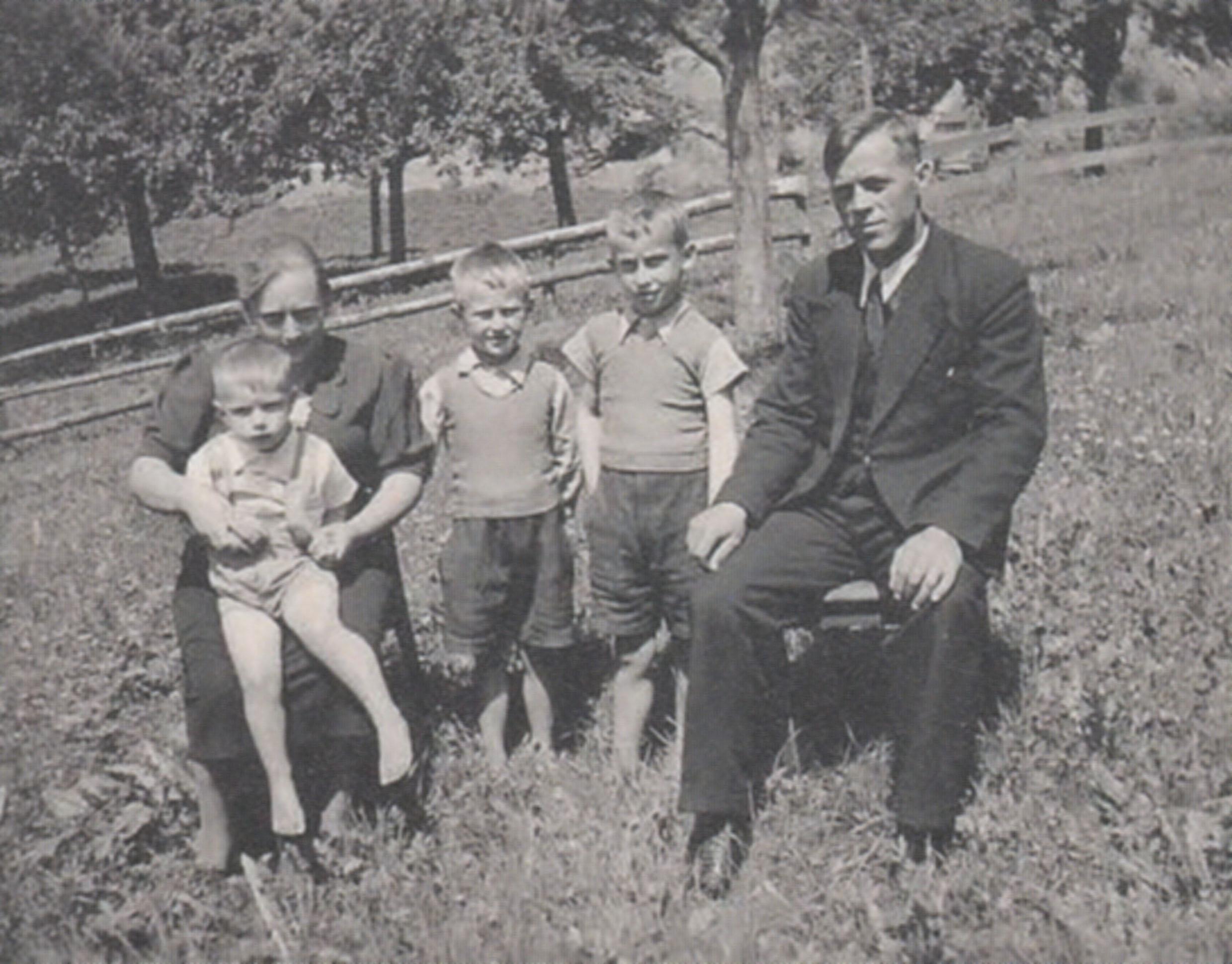 Melanie und Jakob Wüst-Stieger (und Kinder)