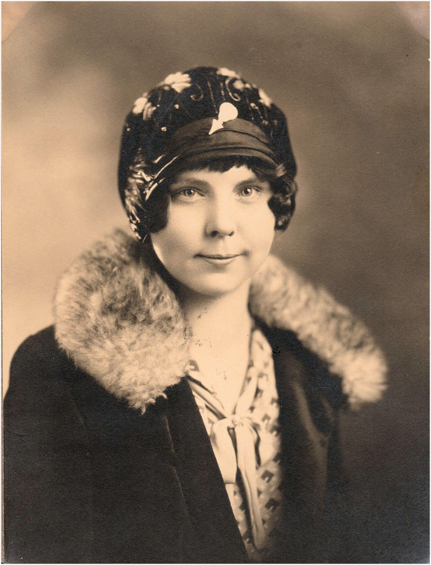 Mary Violet Daniel (1906-1989)