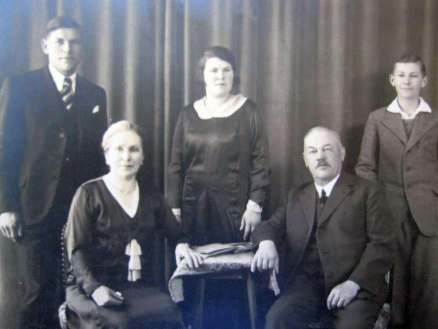 Samuel Henri Maeder und Anna Schupbach und Kinder