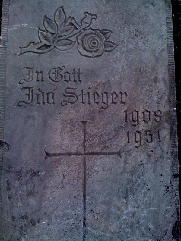 Grabstein der Ida Stieger (1908-1951)