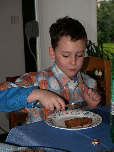 Nino liebt Kuchen